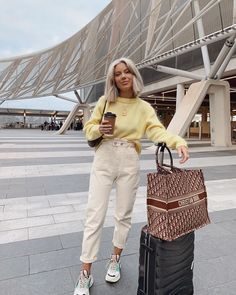 Quick trip to Sydney 💛 Cute Casual Outfits, Fall Outfits, Summer Outfits, Fashion Outfits, Fashion Trends, Laura Jade Stone, Looks Style, My Style, Winter Mode