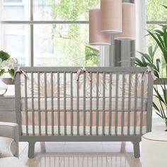 If you love modern design, then you MUST know that @yliving_official launched a baby department and are having a MAJOR sale! We picked a few of our fave pieces (including this darling 3-pc crib set from @oilostudio!). See our fave sale items + enter to win an amazing YLiving giveaway at projectnursery.com! {In Menu, select Giveaways}
