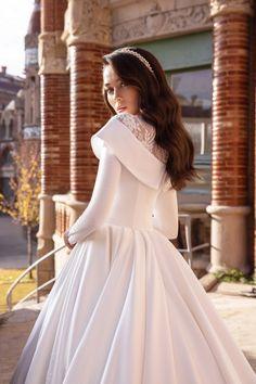 Dream Wedding, Wedding Day, Wedding Dreams, Muslim Wedding Dresses, Fantasy Gowns, White Dress, Girly, Fashion, Bride Groom Dress