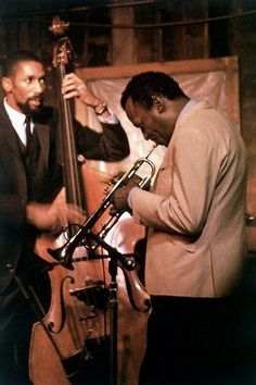 """themaninthegreenshirt: """"Miles Davis and Ron Carter, 1967 Ron Carter came to fame via the second great Miles Davis Quintet in the early which also included Herbie Hancock, Wayne Shorter and. Cool Jazz, Miles Davis, Jazz Artists, Jazz Musicians, Music Artists, Smooth Jazz, Good Music, My Music, Ron Carter"""