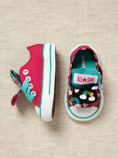 OMG if i want these for my baby girl. she will so be wearing these! Infant Chuck Taylor Rainbow Print by Converse on Gilt Baby Girl Shoes, My Baby Girl, Baby Love, Girls Shoes, Baby Baby, Rainbow Baby, Rainbow Print, Baby Girl Fashion, Kids Fashion