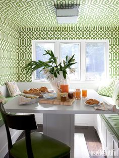 Miles Redd - White and green breakfast nook features Kelly Wearstler Imperial Trellis Wallpaper in Treillage on ceiling and walls framing U shaped built-in banquette accented with green vinyl cushions and square white dining table. Wallpaper Ceiling, Trellis Wallpaper, Unique Wallpaper, Wallpaper Decor, Crazy Wallpaper, Geometric Wallpaper, Diy Disney, Diy Home Decor, Room Decor