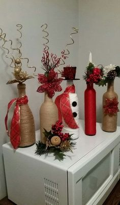 super ideas for craft christmas diy wine bottle Wine Craft, Wine Bottle Crafts, Jar Crafts, Bottle Art, Glass Craft, Christmas Centerpieces, Xmas Decorations, Christmas Wine Bottles, Christmas Ornaments