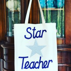 This navy thank you star teacher gift is for a custom order. If you don't see a colour you want in the 'thank you teacher ' section, please message me and I can create a custom order.