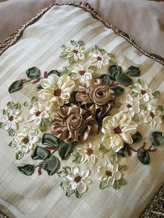 Ribbon Embroidery Learn Embroidery, Silk Ribbon Embroidery, Beaded Embroidery, Cross Stitch Embroidery, Hand Embroidery, Machine Embroidery, Ribbon Art, Ribbon Crafts, Crazy Quilting