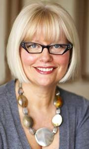 Discover Fresh and Fabulous Spring Style Secrets at Sherway Style Sessions with Expert Lynn Spence! Hairstyles With Glasses, Cool Hairstyles, Good Hair Day, Loose Curls, Flat Iron, Public Relations, Skin Makeup, Cut And Color, Woman Face