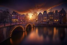 Amsterdam is the capital city of the Netherlands. It is known throughout the world as one of the best little cities on the planet. Amsterdam City, Amsterdam Travel, Amsterdam Netherlands, Beautiful Sunset, Beautiful World, Beautiful Scenery, Beautiful Moments, Wonderful Places, Beautiful Places