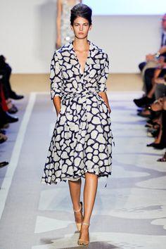 Diane Von Furstenberg Spring 2012 Ready to Wear - I love this dress...it's so pretty.