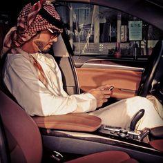 Arab swag indeed. Thobes Men, Arab Men Fashion, Men's Fashion, Middle Eastern Men, Arab American, Arab Swag, Dubai, Handsome Arab Men, Latino Men