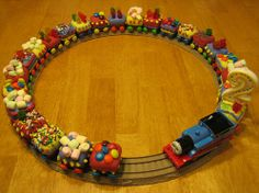 cupcake train...a must do for my guy's 2nd bday!