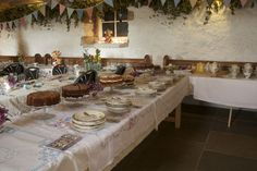 Cant find where I got this from, but the CWA country afternoon tea thing looks awsome - and still fits with the vintage / picnic theme.  Now for a venue that caters for both...