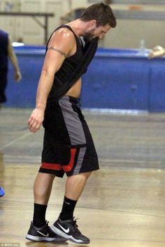 Dan Ewing - basketball in LA
