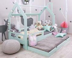Preciosa Cama Montessori con cama inferior, a elegir en color madera Natural o lacada Medidas disponibles 90 y 105 Tamaño 200x100x170 (colchón 90) Tamaño 215x120x170 (colchón 105)
