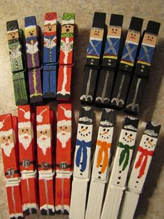 Christmas Crafts : Set of 16 hand painted Christmas Clothespins Santas Snowmen Carolers Nutcrackers Noel Christmas, All Things Christmas, Winter Christmas, Christmas Ornaments, Diy Ornaments, Christmas Projects, Holiday Crafts, Holiday Fun, Santa Crafts