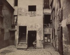 Eugène Atget, Cour, 41 rue Broca, 1912. Courtesy of The Museum of Modern Art, New York. Abbott-Levy Collection. Partial gift of Shirley C. Burden.