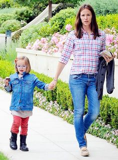 Jennifer Garner and daughter Seraphina headed over to a pal's house (with a cupcake!) in L.A.'s Brentwood area - June 7, 2013