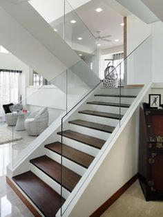 Tempered-glass-staircase-wall - Home Decorating Trends - Homedit