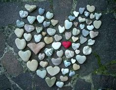 Here is a goal for my heart shaped rocks collection Heart In Nature, Heart Art, Heart Shaped Rocks, Jar Of Hearts, Wild Hearts, I Love Heart, Hello Heart, Heart Pics, Love Rocks