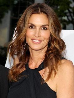Cindy Crawford Suffers From a Makeup Problem All Women Have | allure.com