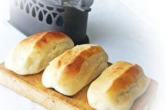 jugando en mi cocina: Panecillos de leche Biscuit Bread, Pan Bread, Donuts, Mexican Bread, Pan Dulce, Bread And Pastries, I Love Food, Sweet Recipes, Tapas