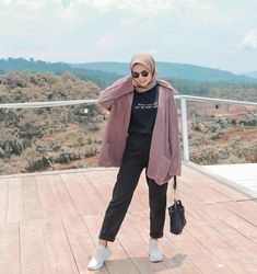 Hijab Style Outfit Of The Day(ootd) 2020 Muslimah Indonesia Modern Hijab Fashion, Street Hijab Fashion, Hijab Fashion Inspiration, Hijab Fashion Summer, Muslim Fashion, Casual Hijab Outfit, Ootd Hijab, Stylish Hijab, Cute Casual Outfits