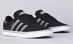 Here is a look at the latest colorway of vulc soled edition from Dennis Busenitz signature line from adidas Skateboarding. Dressed in black suede with Sneakers Mode, Best Sneakers, Sneakers Fashion, Adidas Busenitz, Me Too Shoes, Men's Shoes, Shoes Sneakers, Adidas Skateboarding, Hipster Shoes
