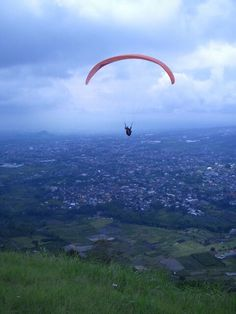 The view of paragliding area at paralayang hill, Mt. Banyak, Batu, East Java. #paralayang #sugoi #amazing