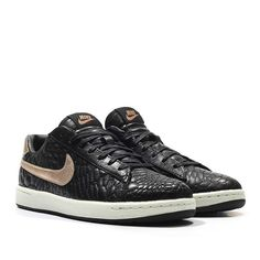 Nike Wmns Tennis Classic Ultra Premium Quilted Pack (black/metallic red bronze)