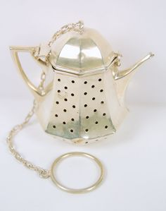 Antique STERLING Silver Tea Ball STRAINER TEAPOT (68024)