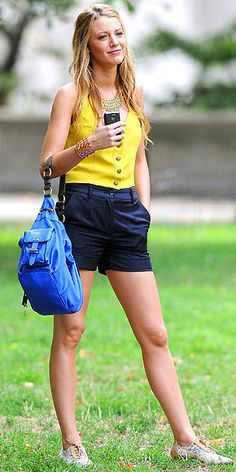 Because Serena Van der Woodsen is a fashion GODDESS!!! I want all her clothes!