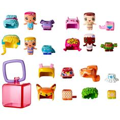 The My Mini MixieQ's world is just like ours... except it's totally cube-ular! Get ready for new small figure fun with this Fairy Land Fashion story pack, 4 colorful themed characters, plus 1 extra cool Mystery Figure! Each figure features Pop and Swap hair and outfits to customize your characters your way. This fun pack also includes 8 additional hair and outfits to Pop and Swap - for even more creative play! These collectible mini figures are the perfect size for at home and on the go fun…