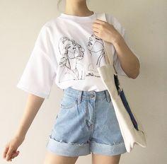 Fashionshow JF Women Korean Fashion Art Drawing T Shirt Cute Ulzzang Oversized White Tee Street Styl Aesthetic Fashion, Look Fashion, 90s Fashion, Fashion Art, Fashion Outfits, Fashion Trends, Aesthetic Outfit, Summer Aesthetic, Flower Aesthetic