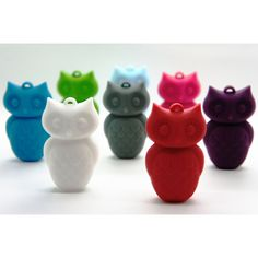 Awesome Jellystone teething pendants - you wear it likea necklace, baby chews, sucks and grabs at it (bonus when you a have a little one that grabs at you when feeding) Owl Jewelry, Kids Jewelry, Jewellery, Teething Jewelry, Owl Pendant, Educational Toys For Kids, Baby Steps, Cute Owl, Natural Baby