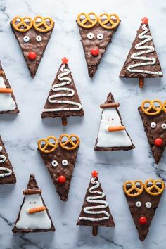 25 Classic Christmas Foods decorations Ideas : Page 23 of 25 : Creative Vision Design Christmas Brownies, Christmas Snacks, Christmas Appetizers, Christmas Goodies, Christmas Candy, Christmas Baking, Holiday Treats, Christmas Holidays, Food Decoration