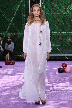 Silhouette_04 / Haute Couture Autumn-Winter 2015-2016 Show / HAUTE COUTURE / Woman / Dior official website