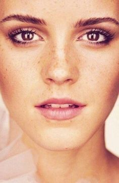 Natural Makeup on Emma Watson - the perfect fresh face. Love the lip color here, too.