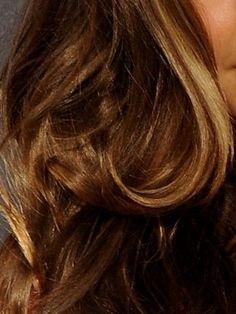 Celebrity Hair: Miranda Kerrs Hair Color