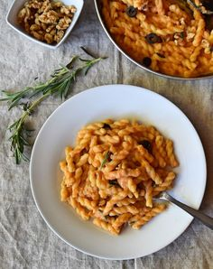 Nothing can beat this creamy sweet potato vegan Alfredo pasta; made with rich almonds and sweet potato sauce. Best nutritional comfort food ever.