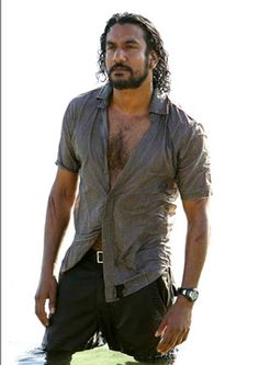 Naveen Andrews, the only reason i ever put up with that nonsense show Lost, because i really enjoyedd oogling him on it :)