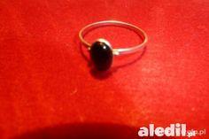 #srebrny #pierścionek z onyksem. Bardzo delikatny, ale ładnie wygląda na palcu