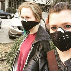 Clearly, she loves me. Especially when I take photos of her #爱 #朋友 #北大 #学生 #北京 #污染 #中国 #留学生 #pollutionmask #glare #friendship #pollution #respro #china #beijing #love