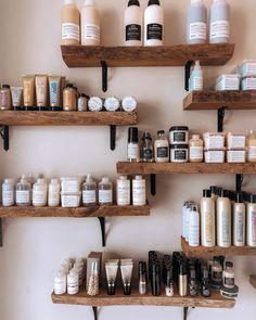 Belle Sirène Salon a La Jolla Home Beauty Salon, Home Hair Salons, Hair Salon Interior, Beauty Salon Decor, Beauty Salon Design, Salon Interior Design, Home Salon, Spa Room Decor, Beauty Room Decor