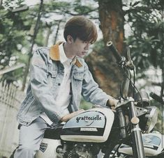 Jaemin as Dilan Nct Dream Jaemin, All About Kpop, Mood And Tone, Na Jaemin, Tumblr Boys, Kpop Aesthetic, Reaction Pictures, Kpop Boy, Kpop Groups