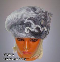 #вязаные_шапочки_raz Вязаные береты Ирины Батраковой. Интересное решение.  Смотрим здесь      http://razpetelka.ru/dlya-nas-lyubimyx-modeli-dlya-zhenshhin/vyazanye-shapochki-2.html/