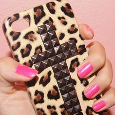 Cheetah cross Iphone case, someone please buy me this :)