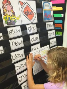 weekly phonics lessons for the year!