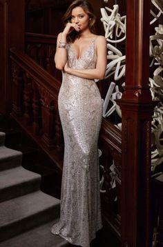 Miranda Kerr by Yuan Gui Mei for ELLE China March 2016