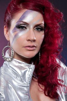 David Bowie inspired hair and makeup Rock Makeup, 80s Makeup, Costume Makeup, Hair Makeup, Witch Makeup, Runway Makeup, Party Makeup, Maquillage Halloween, Halloween Makeup