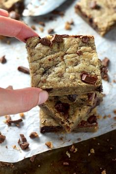 Soft and chewy chocolate chunk cookie bars are made with healthy and flavorful coconut oil and whole wheat flour! Ready for the bonus? This decadent recipe only requires ONE BOWL and 30 minutes of your time (and 25 of those minutes are the bars baking). These are sure to be a new favorite! Can you …