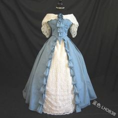 Vintage Evening Gowns, Blue Evening Gowns, Vintage Gowns, Vintage Outfits, Evening Dresses, Vintage Corset, Vintage Gothic, Vintage Hats, Old Fashion Dresses